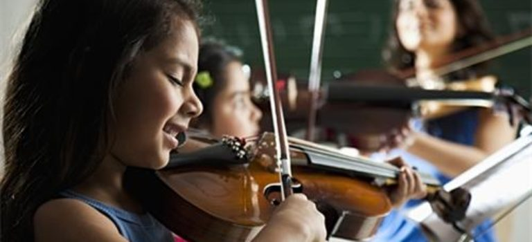 Looking for a good music school? We bring you 5 Top music classes in  Delhi