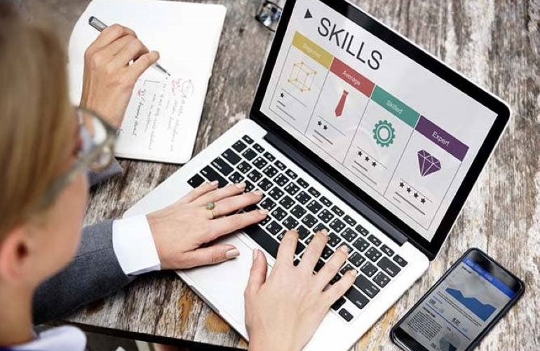 Important business skills for IT students