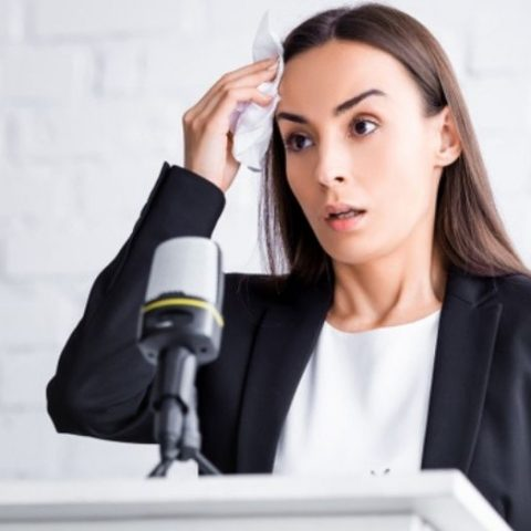 5 Tips on How to Overcome Fear of Public Speaking in English